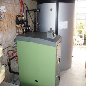 Chaudière à bûches de 25 kw avec hydro-accumulation de 2000 litres