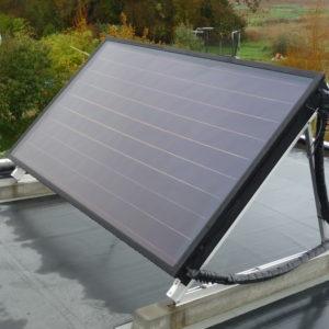 Panneau solaire autovidangeable